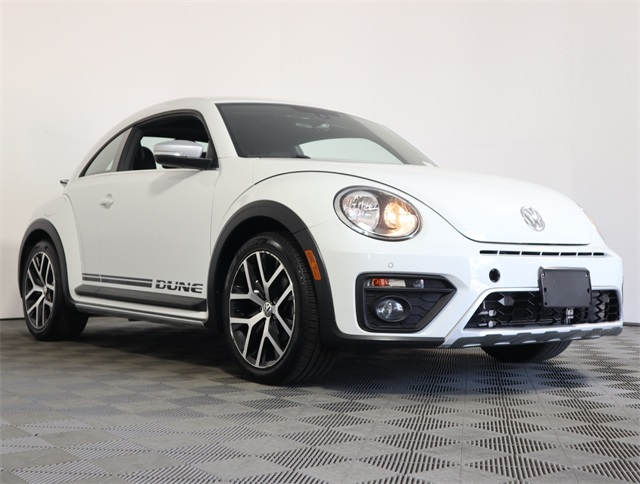 Certified Pre-Owned 2016 Volkswagen Beetle 1.8T Dune